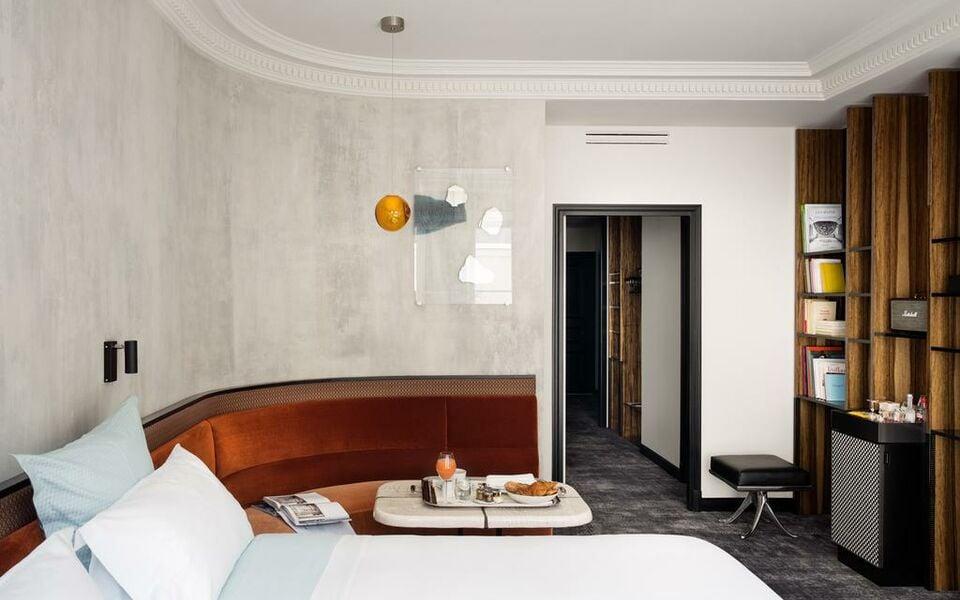 Hotel les bains paris a design boutique hotel paris france for Les bains a paris