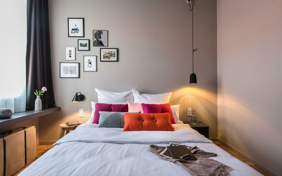 bold hotel m nchen giesing a design boutique hotel munich. Black Bedroom Furniture Sets. Home Design Ideas