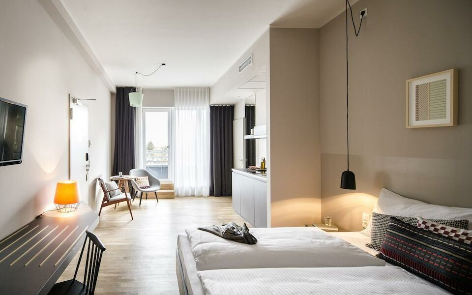 bold hotel a design boutique hotel munich germany. Black Bedroom Furniture Sets. Home Design Ideas