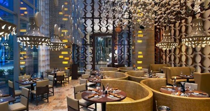 Royal Plaza on Scotts in Singapore - Book a hotel Orchard Road