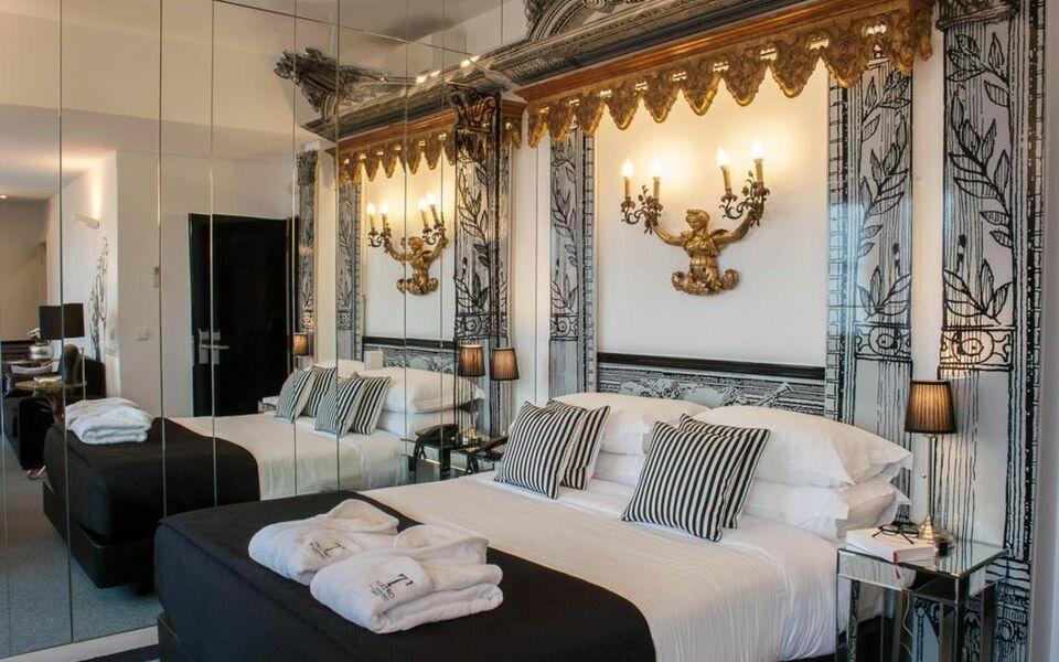 Teatro bed breakfast a design boutique hotel lisbon for Boutique hotels lisbon