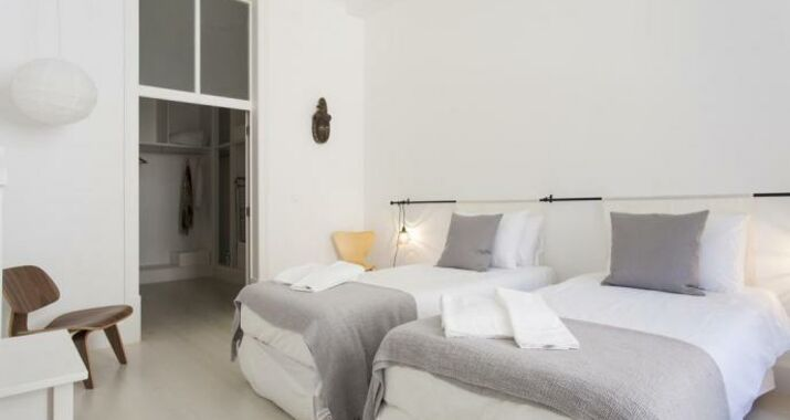 Downtown Blue Apartments | RentExperience, Lisbon (10)