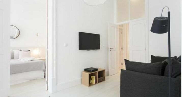 Downtown Blue Apartments | RentExperience, Lisbon (17)