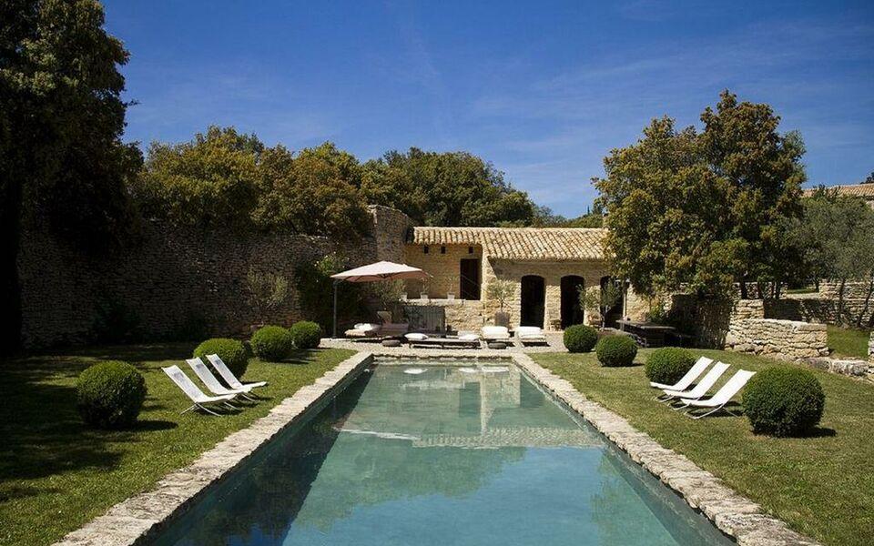 Le mas de la tannerie a design boutique hotel gordes france for At home architecture 84220 gordes