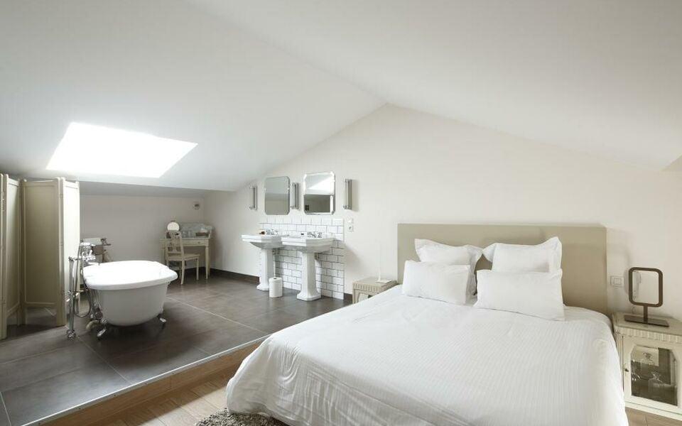 Auberge Du Paradis, a Design Boutique Hotel Saint-Amour-Bellevue, France