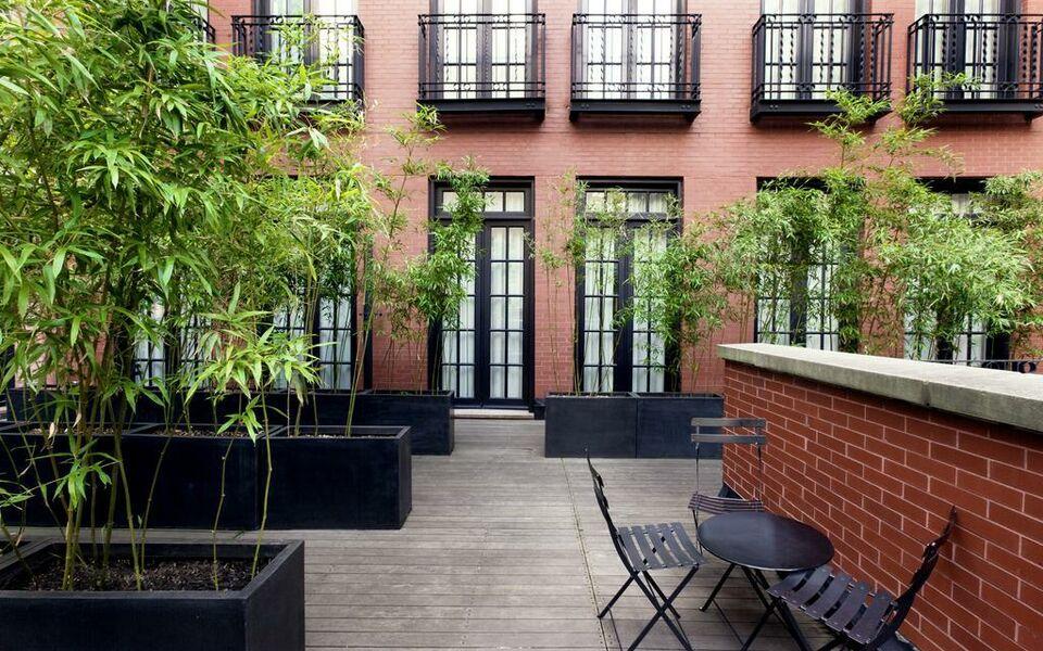 the mercer a design boutique hotel new york city u s a. Black Bedroom Furniture Sets. Home Design Ideas
