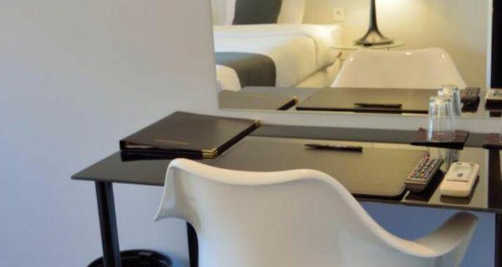 Hotel retro a design boutique hotel brussels belgium for Retro design hotel