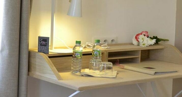 5 chambres en ville clermont ferrand france my boutique hotel. Black Bedroom Furniture Sets. Home Design Ideas