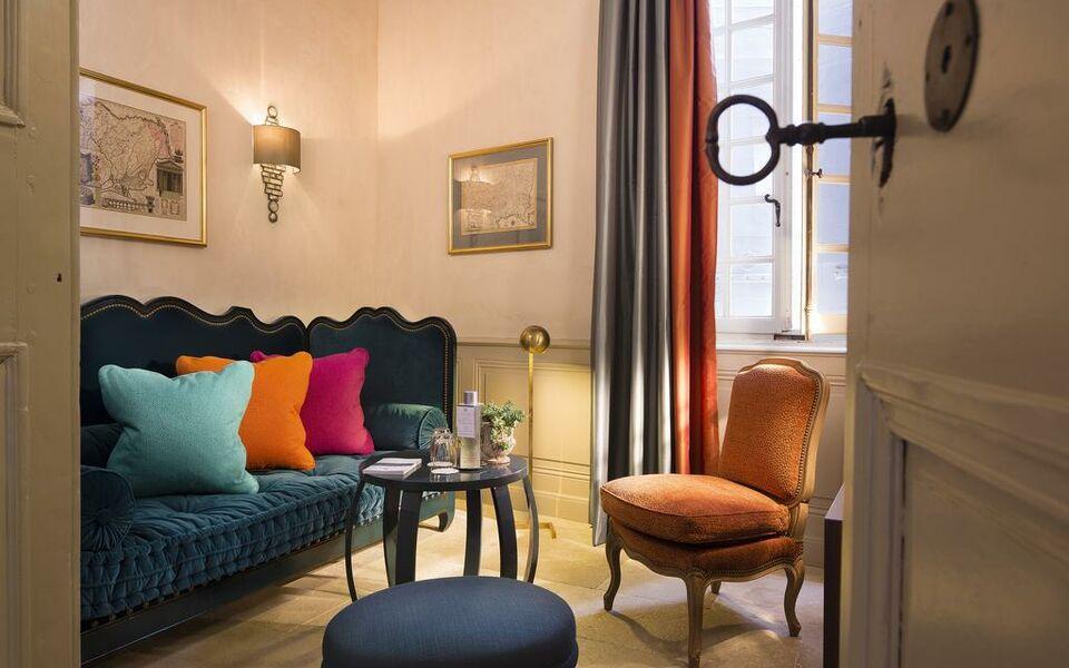 la maison d 39 uz s relais ch teaux a design boutique hotel uzes france. Black Bedroom Furniture Sets. Home Design Ideas