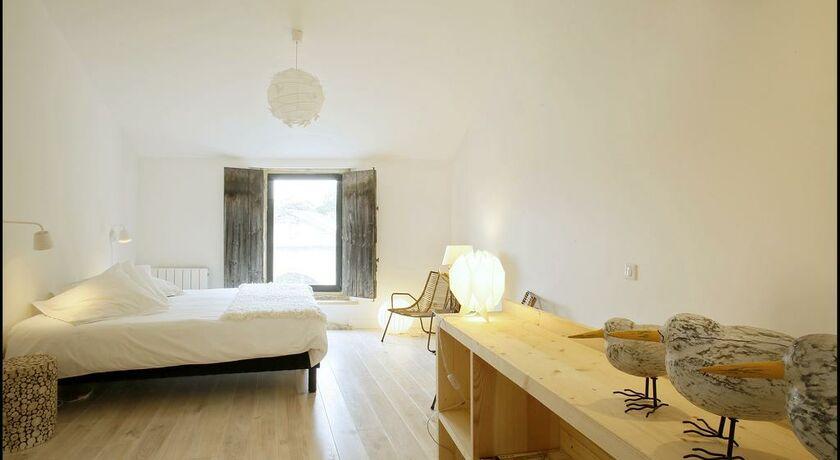 La maison rouge d 39 uzes b b uzes france my boutique hotel for Chambre double lits jumeaux