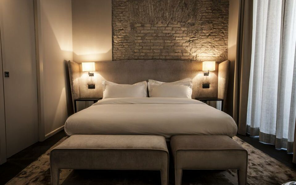 dom hotel roma a design boutique hotel rome italy. Black Bedroom Furniture Sets. Home Design Ideas