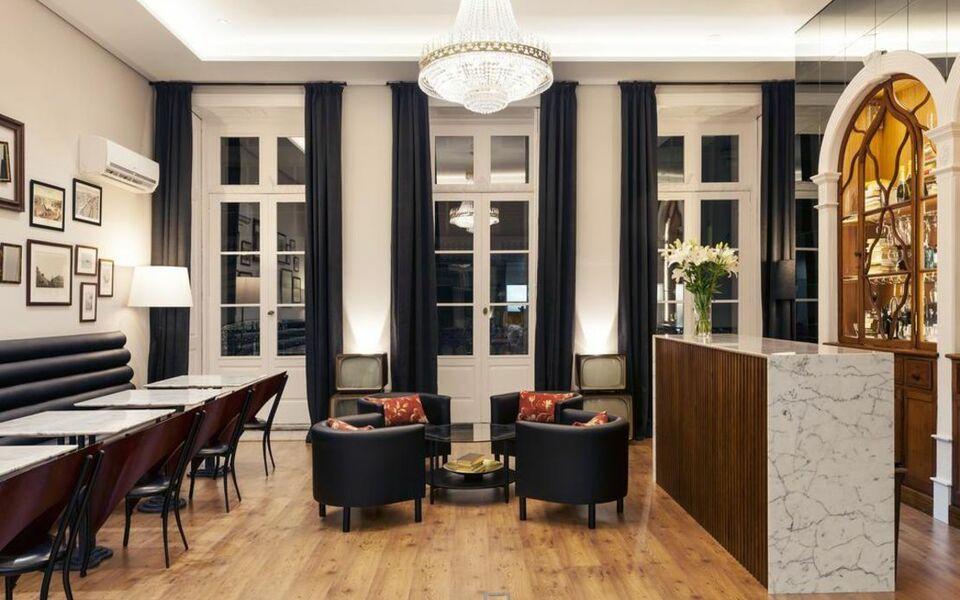 B the guest downtown a design boutique hotel porto portugal for Porto design hotel