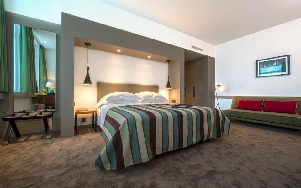 the artist porto hotel bistro a design boutique hotel porto portugal. Black Bedroom Furniture Sets. Home Design Ideas