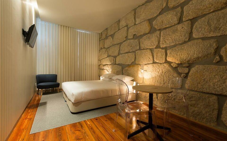 Porto de rio a design boutique hotel porto portugal for Porto design hotel