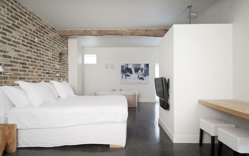 rustic bathrooms photos cour 8 lofts a design boutique hotel maastricht netherlands 14308