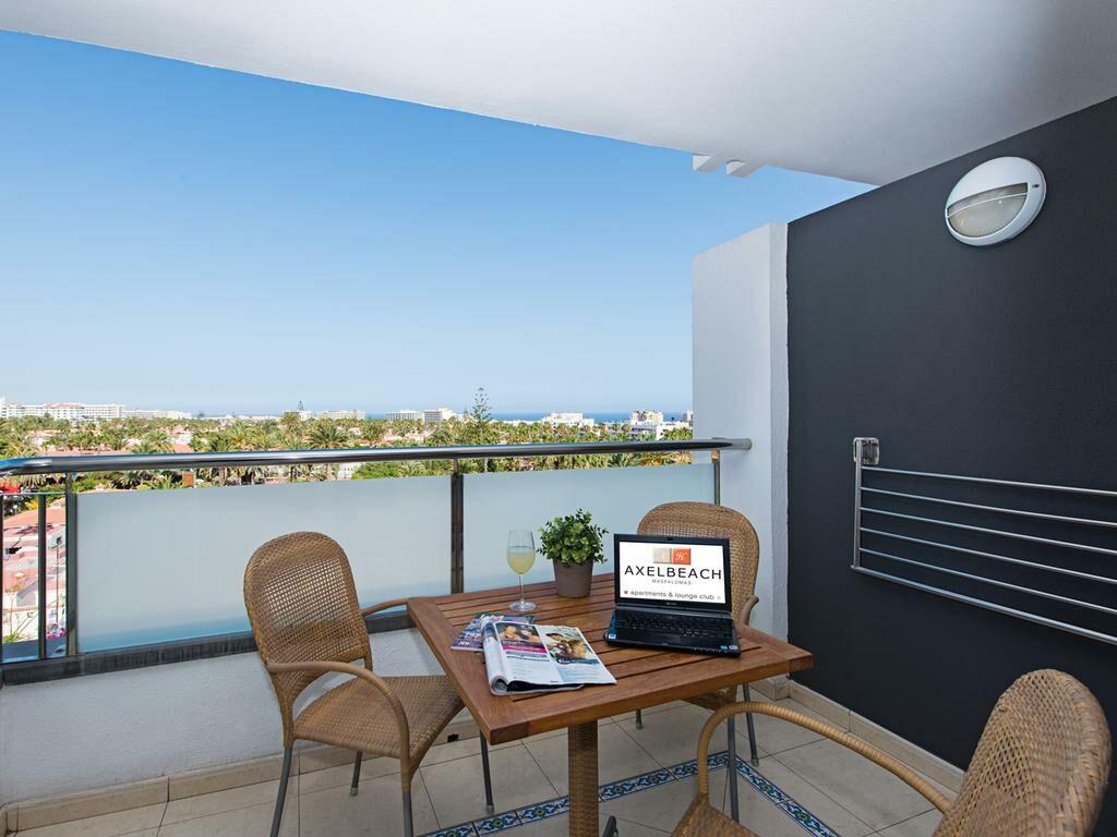 Axelbeach maspalomas apartments and lounge club adults for Design hotel gran canaria