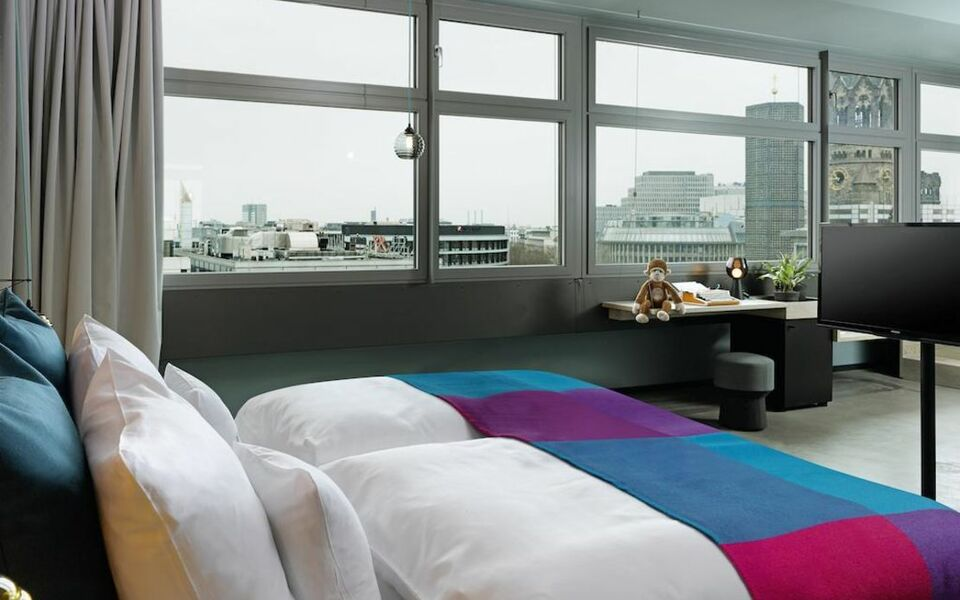 25hours hotel bikini berlin a design boutique hotel. Black Bedroom Furniture Sets. Home Design Ideas
