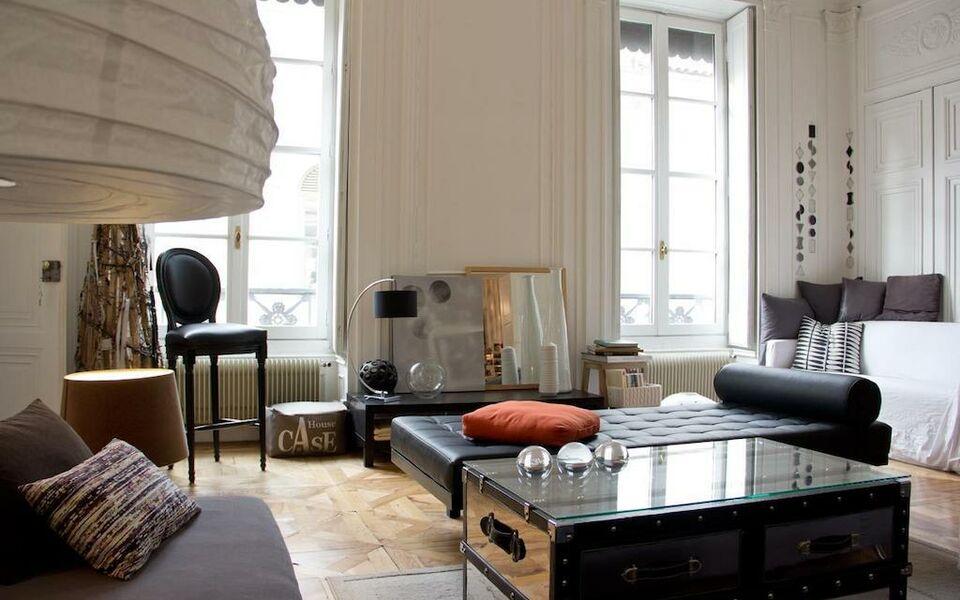 Apt une nuit au second a design boutique hotel lyon france for Boutique hotel lyon
