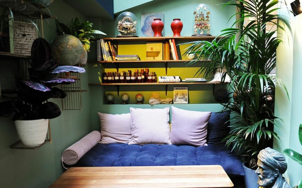 Coq hotel paris a design boutique hotel paris france for Best design boutique hotels paris
